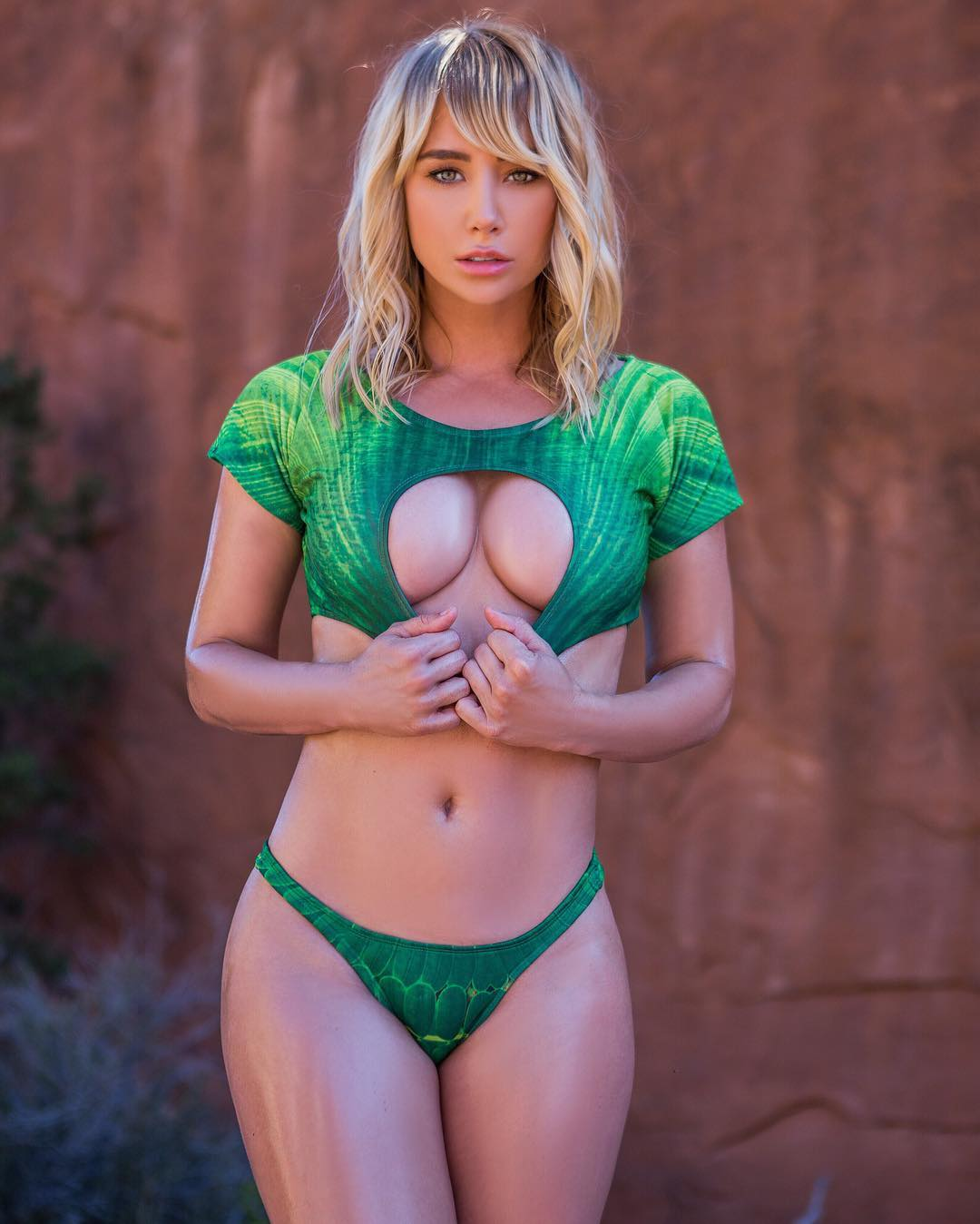 Sara Jean Underwood Hot