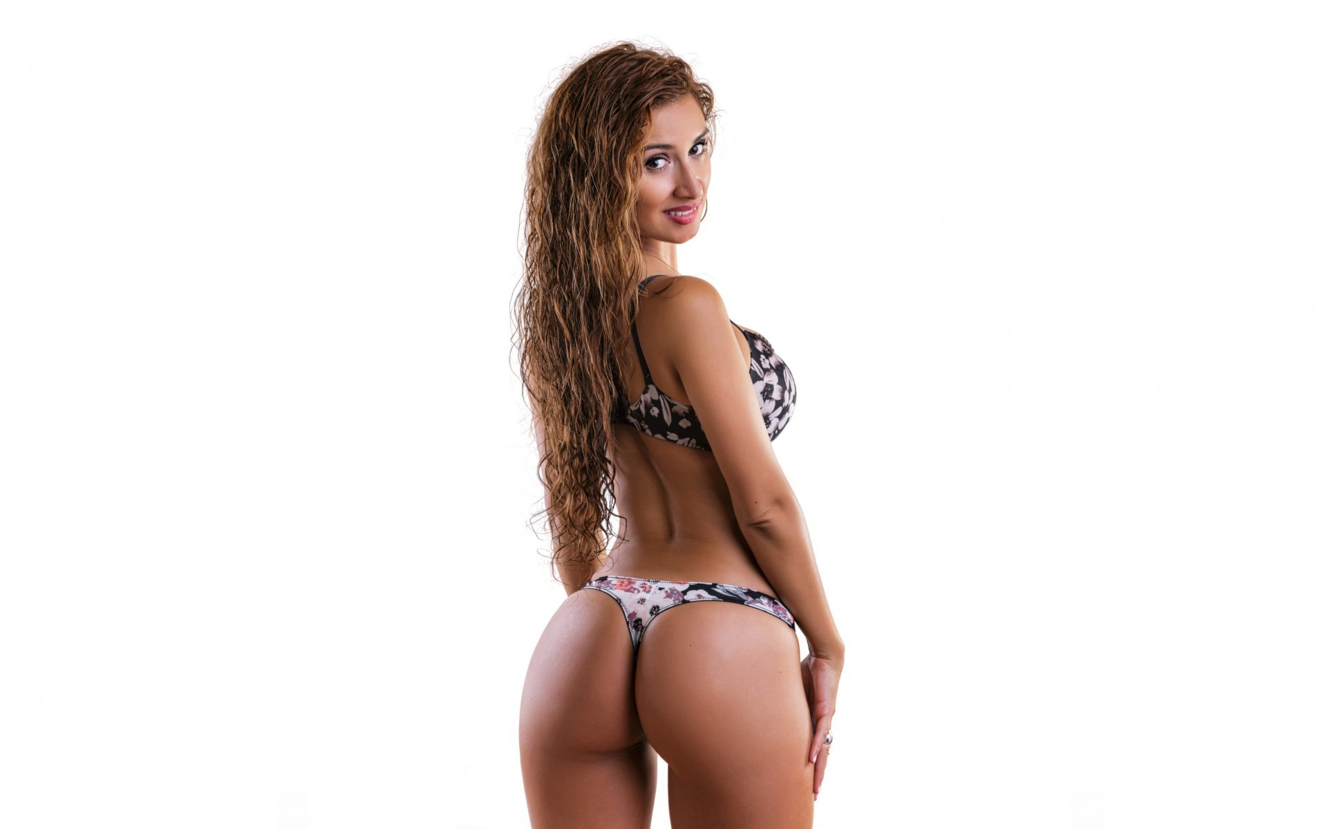 latine sexy ass bikini model 1920×1200