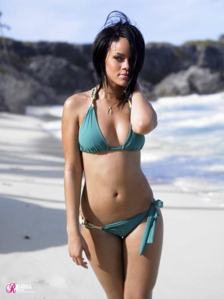 rihanna bikini