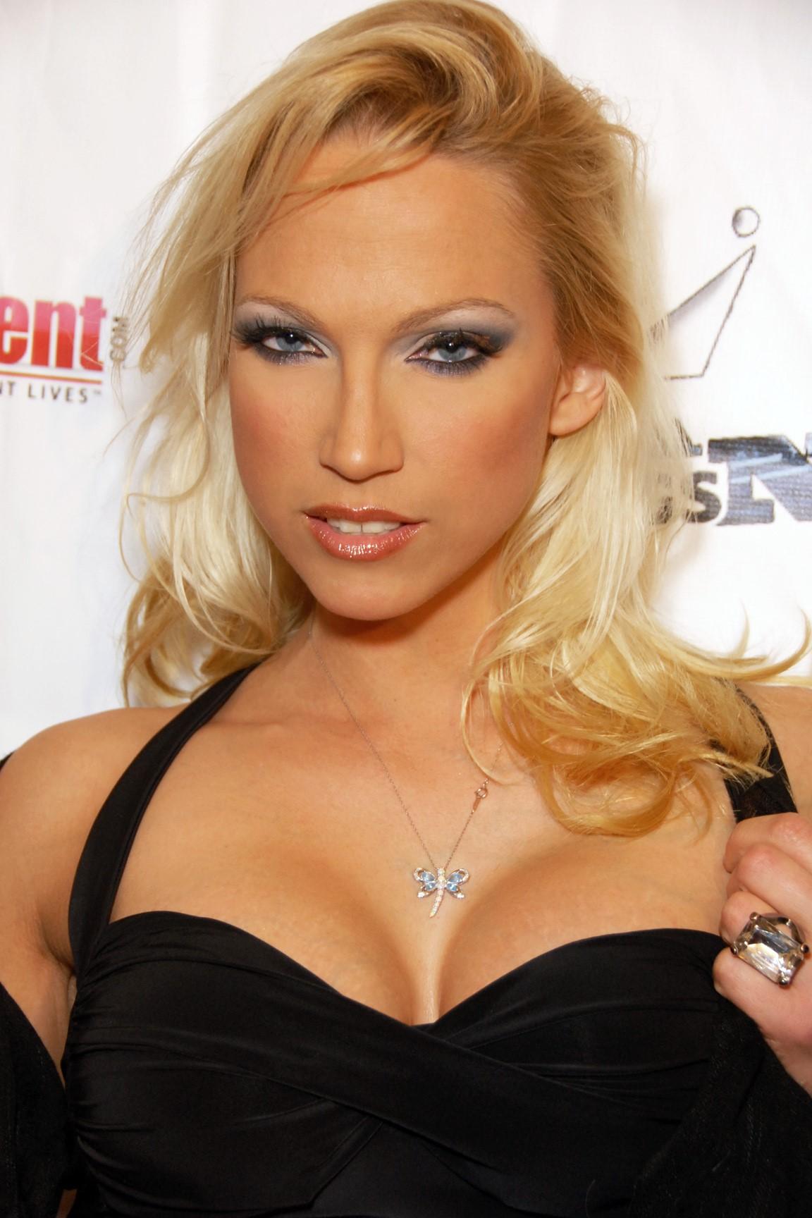 Nicki Hunter 2010