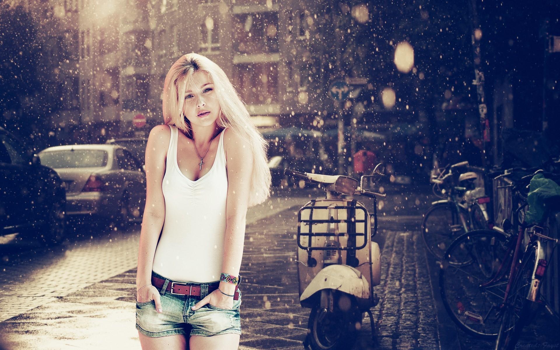 Blonde Girl Wallpapers