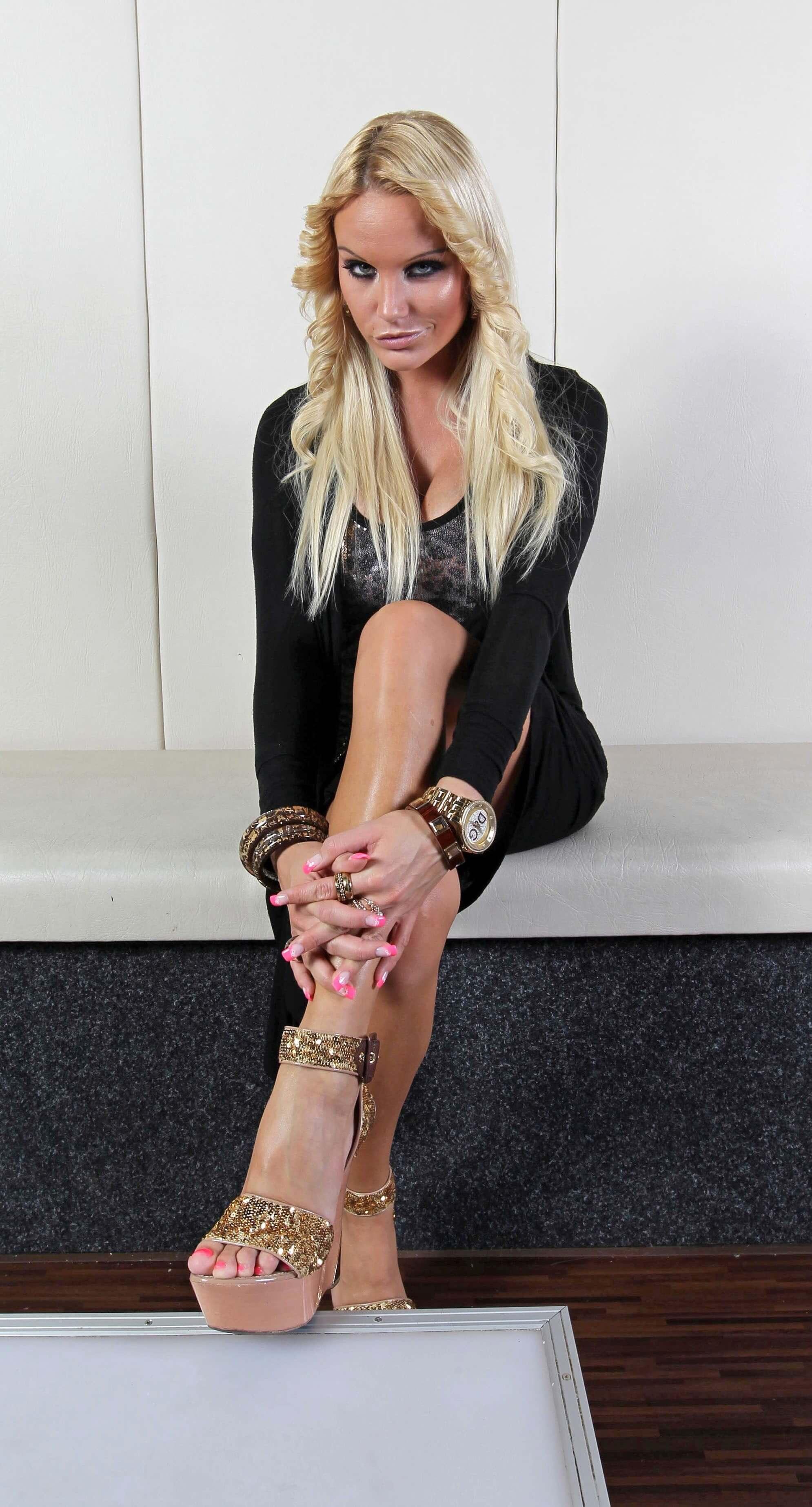 Gina Lisa Lohfink Pics