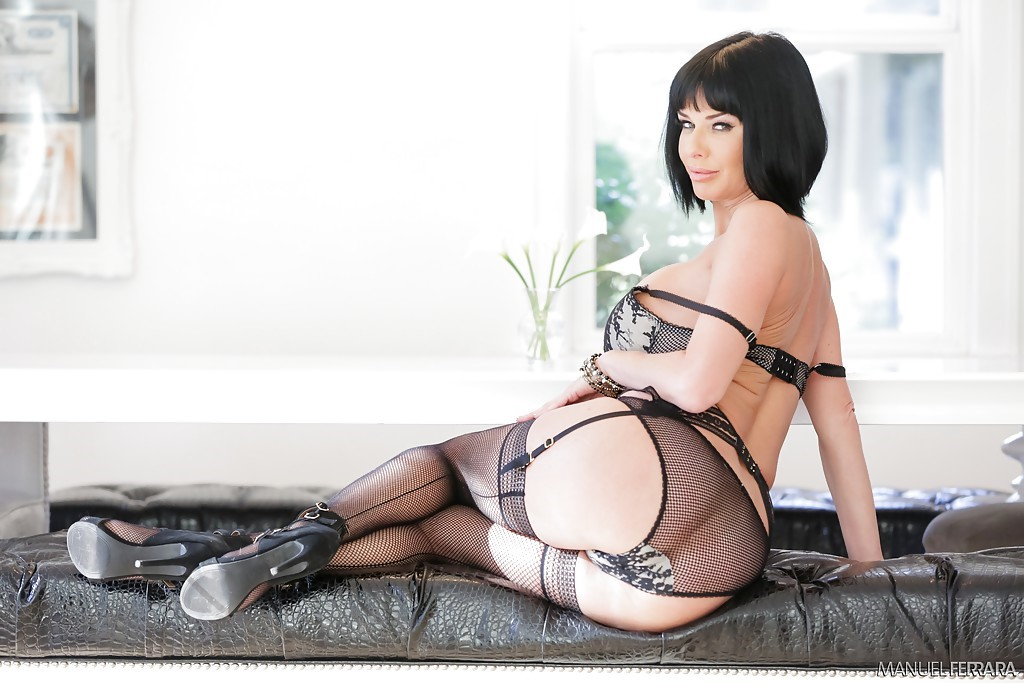 Veronica Avluv Images