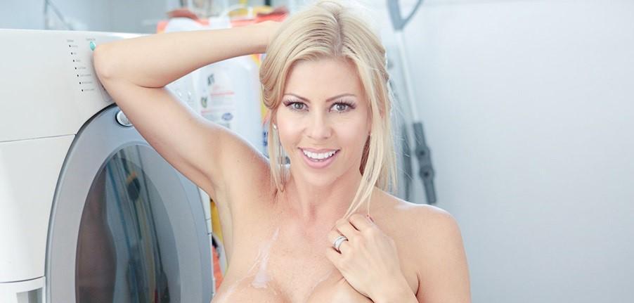 Alexis Fawx Naked