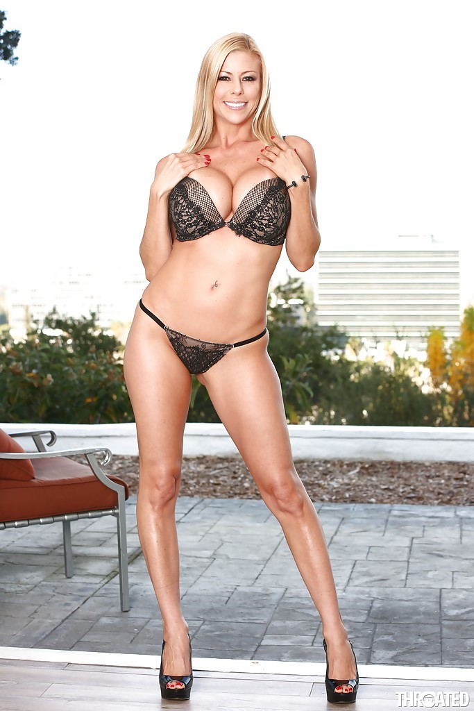 Alexis Fawx iphone Images
