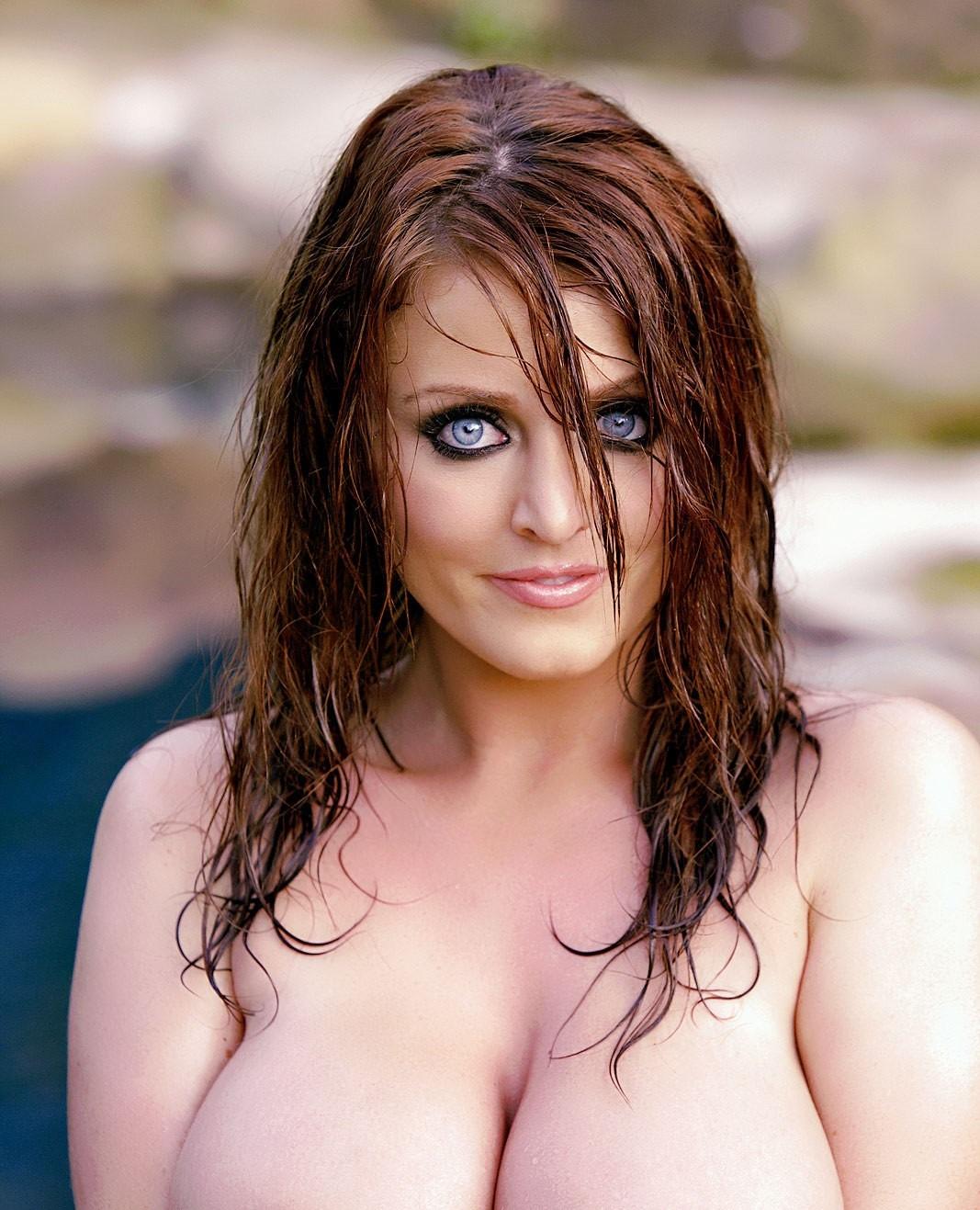 Sophie Dee 104