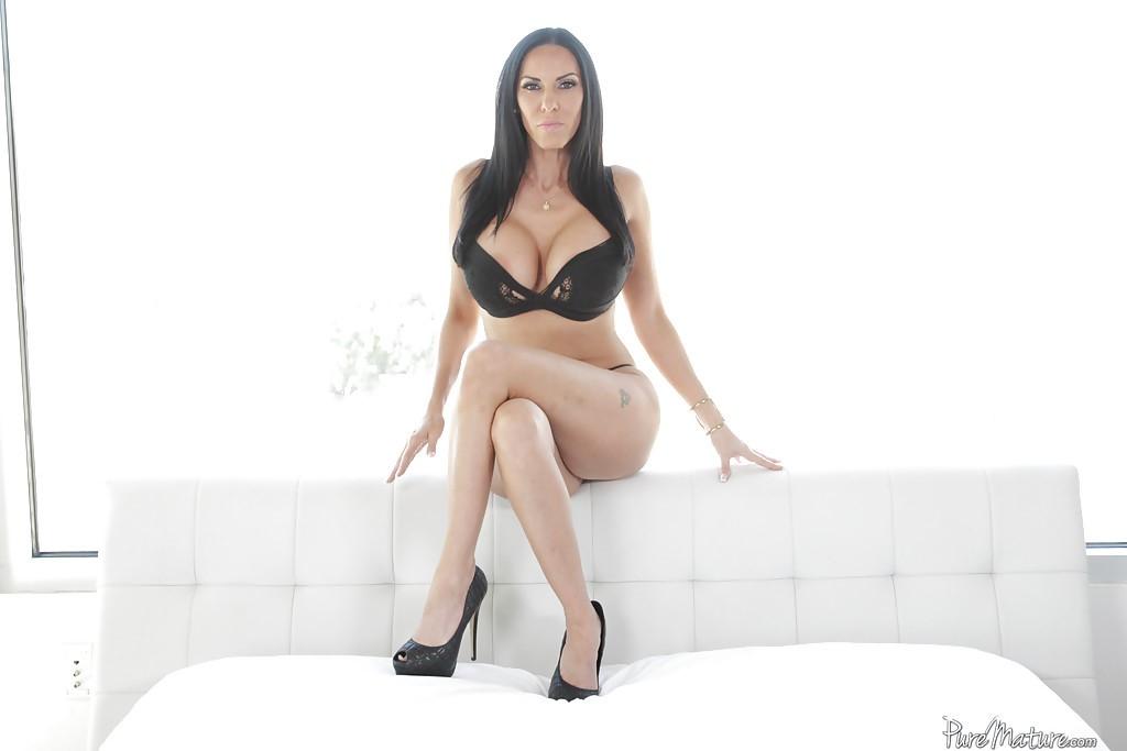 Veronica Rayne Lingerie 2