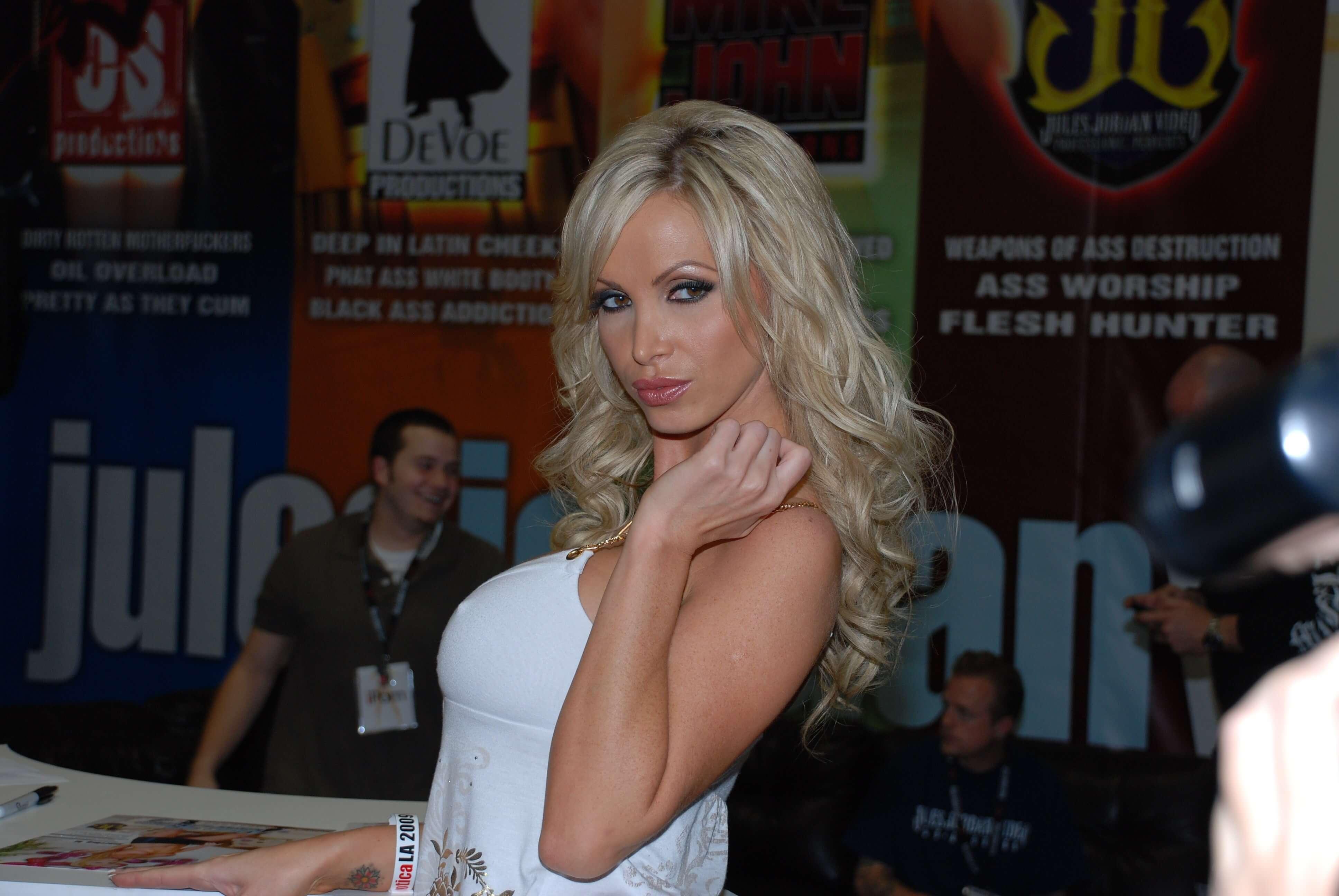 Nikki Benz Photos