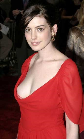 Anne Hathaway Red Dress 3