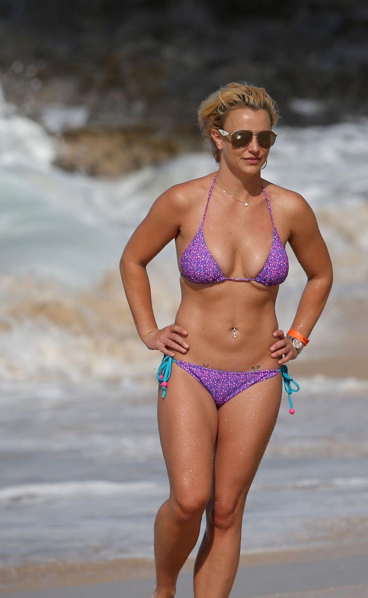 Britney Spears Bikini Photos