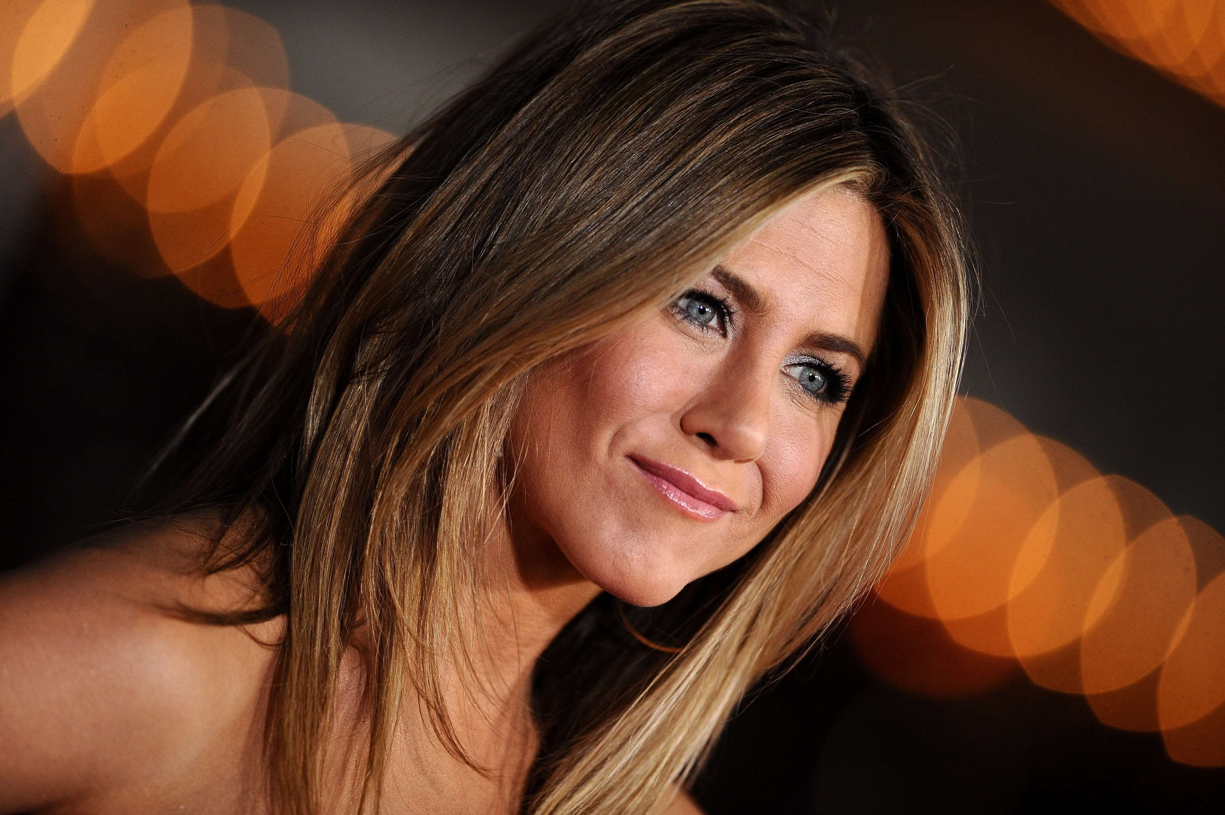 Jennifer Aniston HD Wallpapers for pc | WallPics