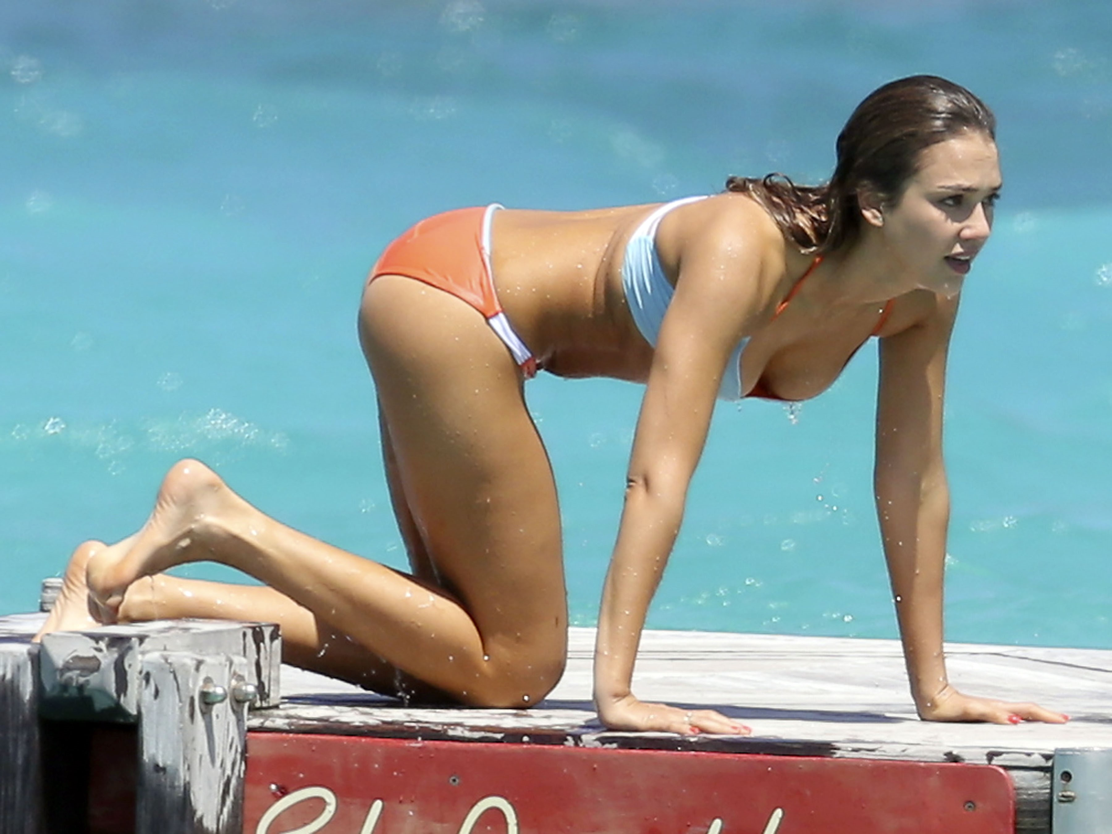 Best celebrity beach bodies pictures Cached