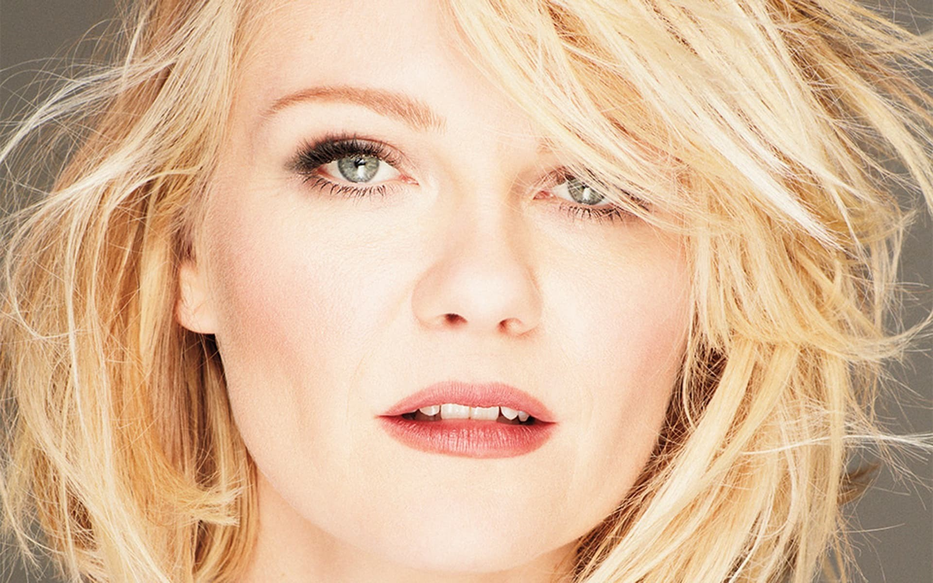 Kirsten Dunst HQ Photos