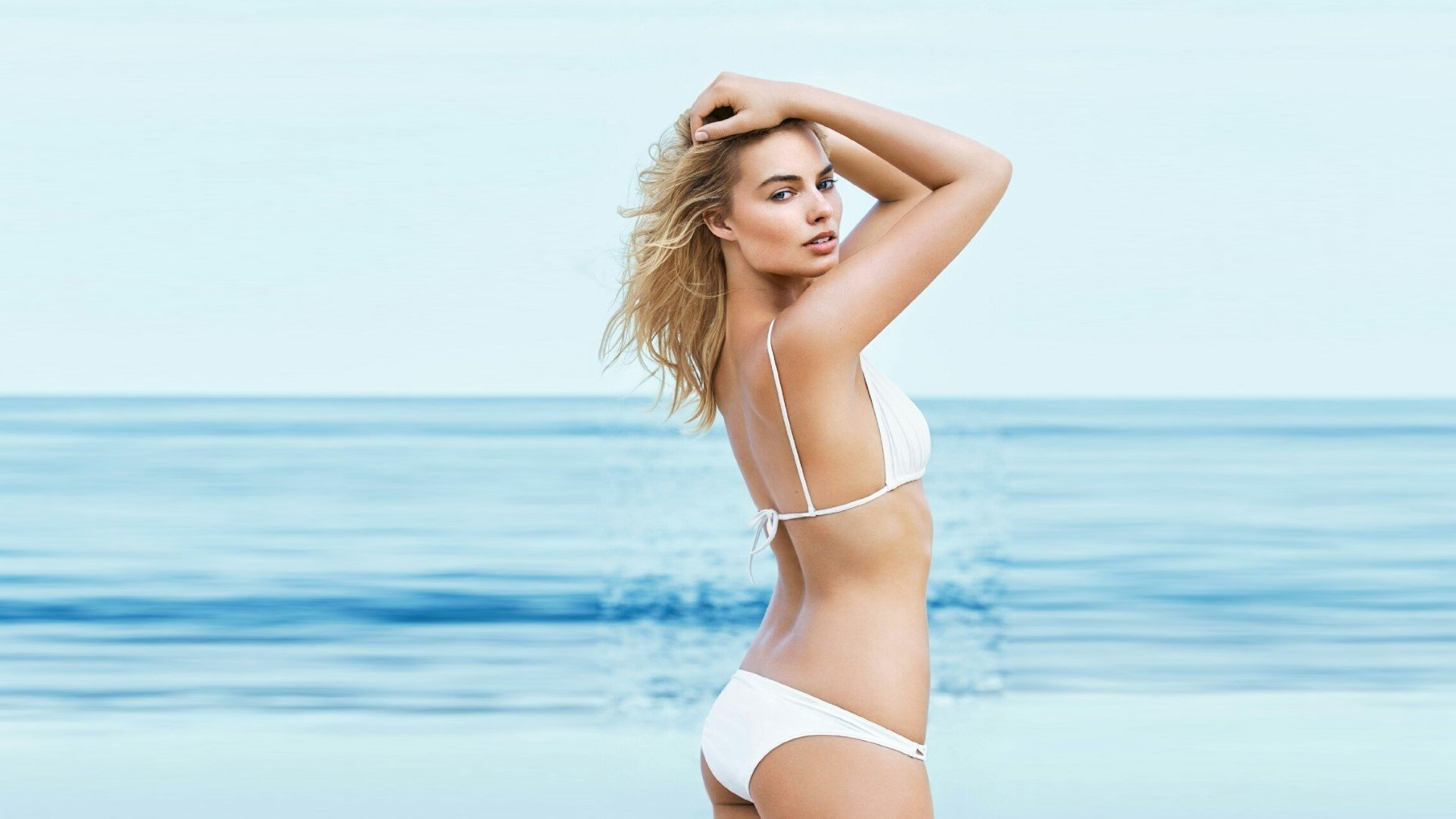 Margot Robbie Bikini Wallpapers