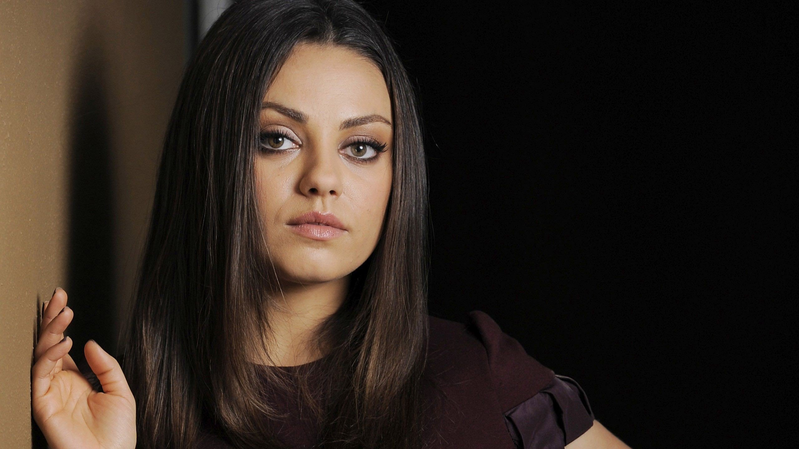 Mila Kunis Laptop Wallpapers