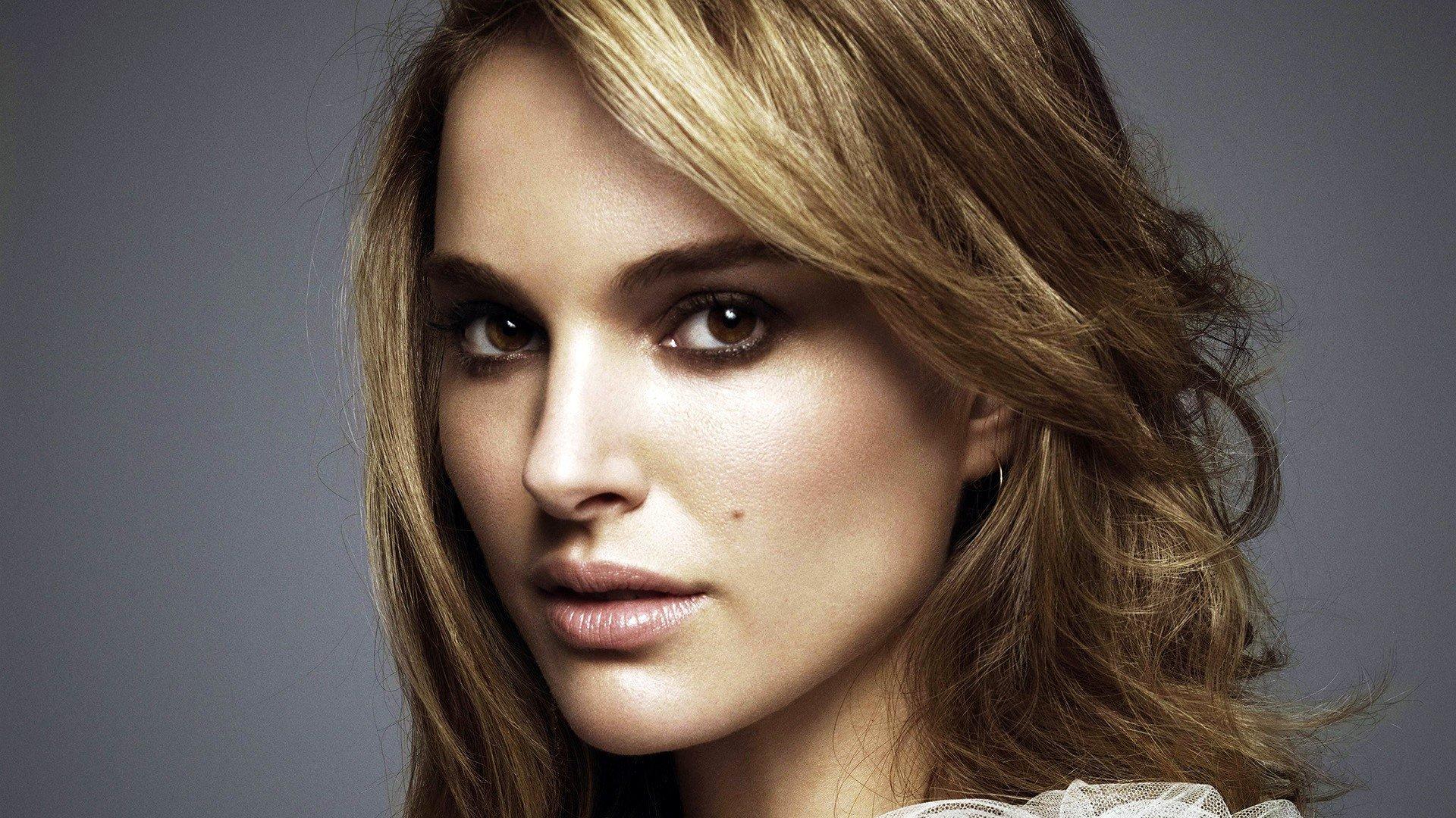 Natalie Portman Video