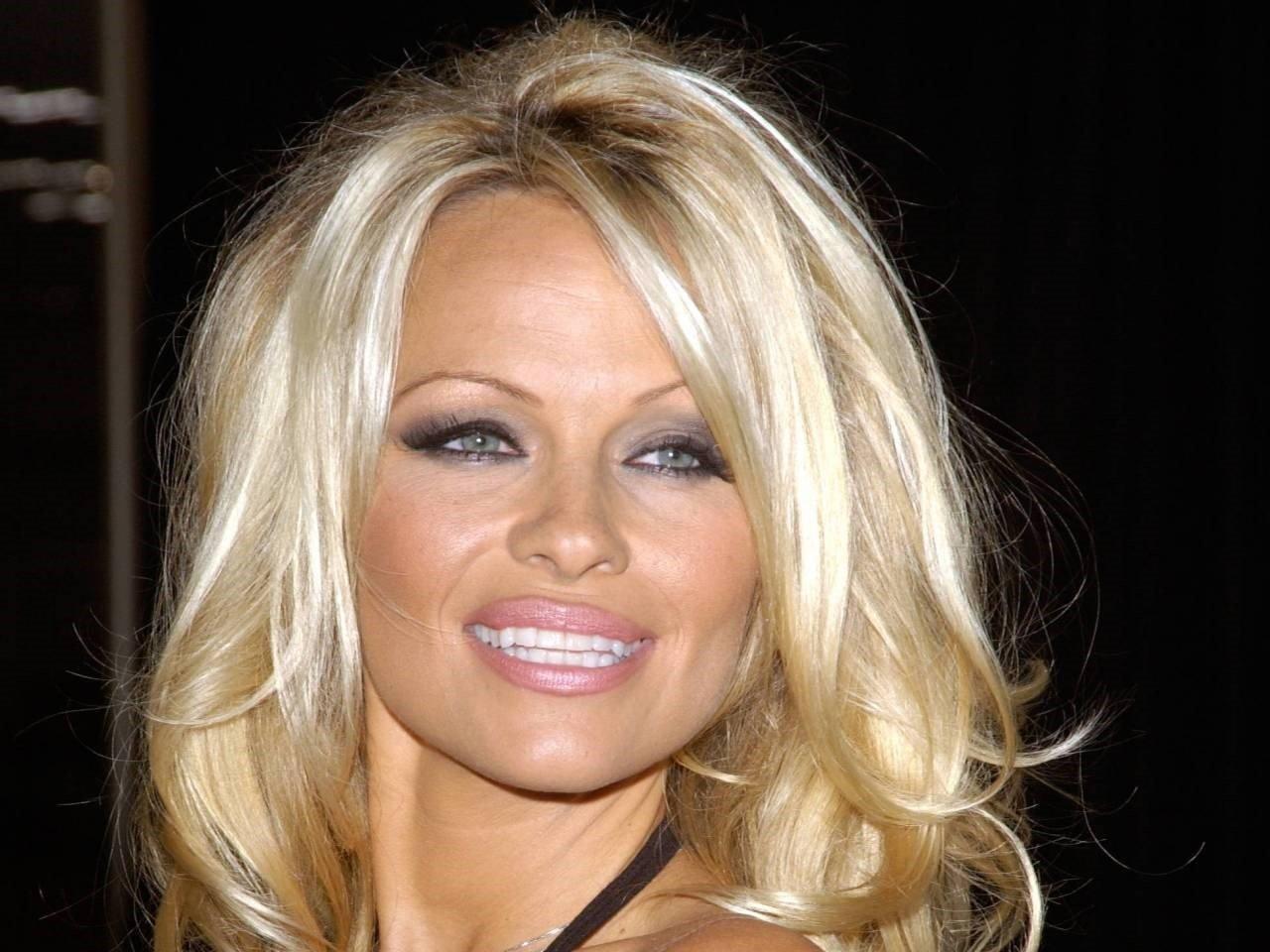 Pamela Anderson Wallpapers 5