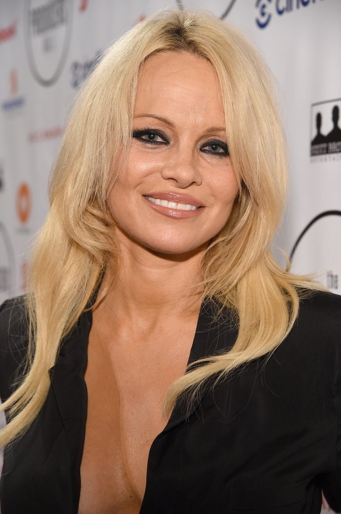 Pamela Anderson Wallpapers for mobile