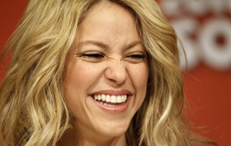 Shakira HD Photos