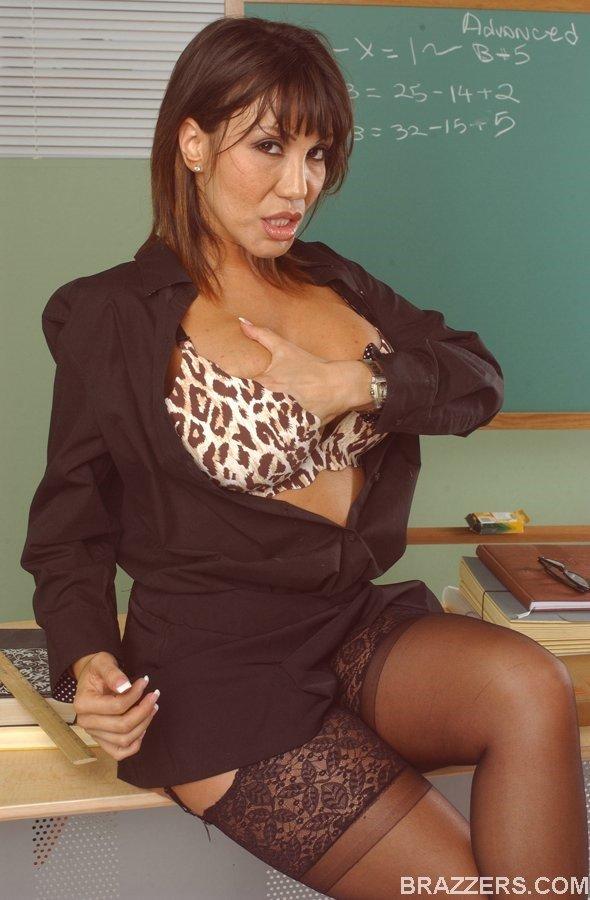 Ava Devine Hot Photos