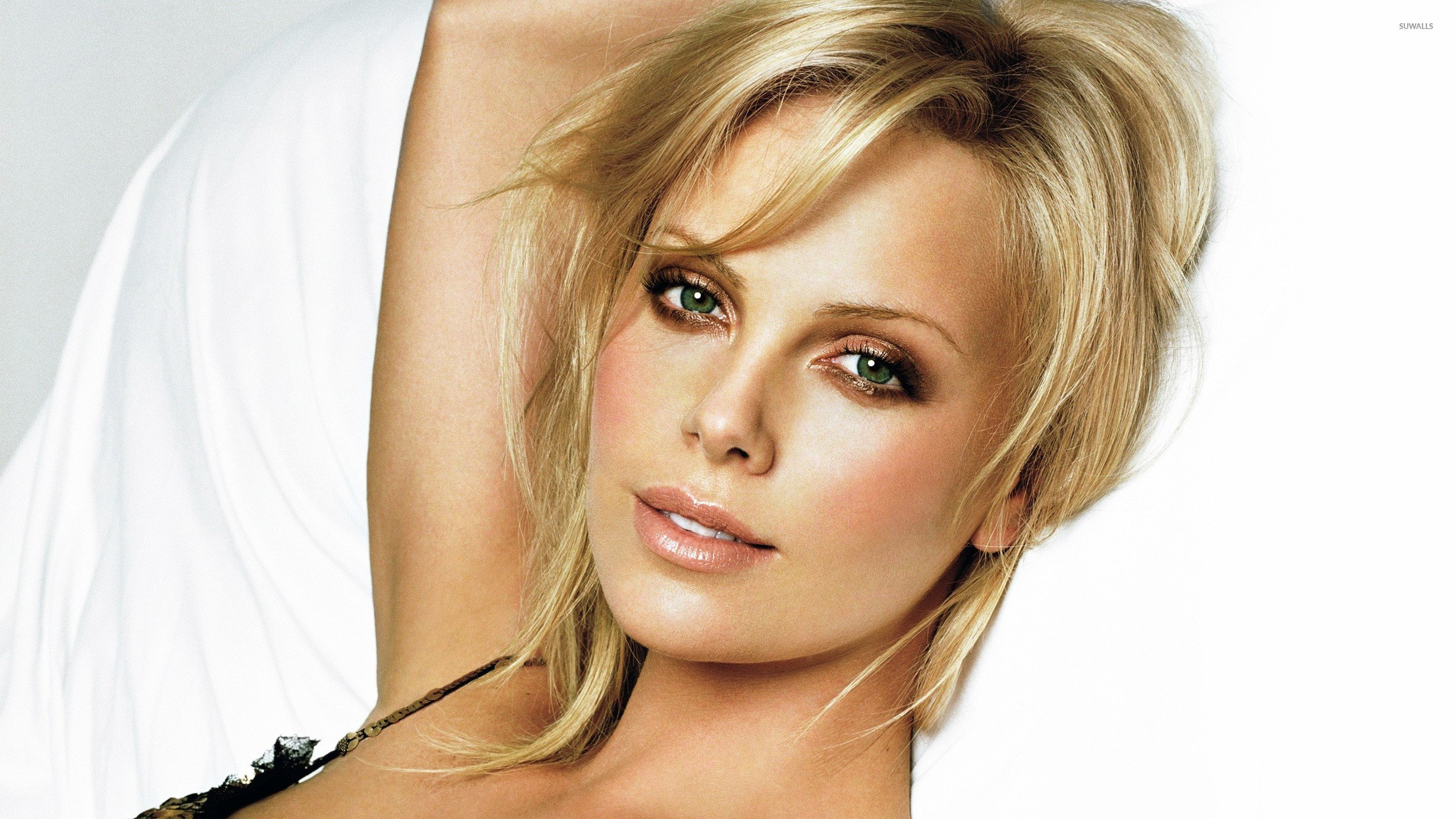 Charlize Theron Computer Wallpapers