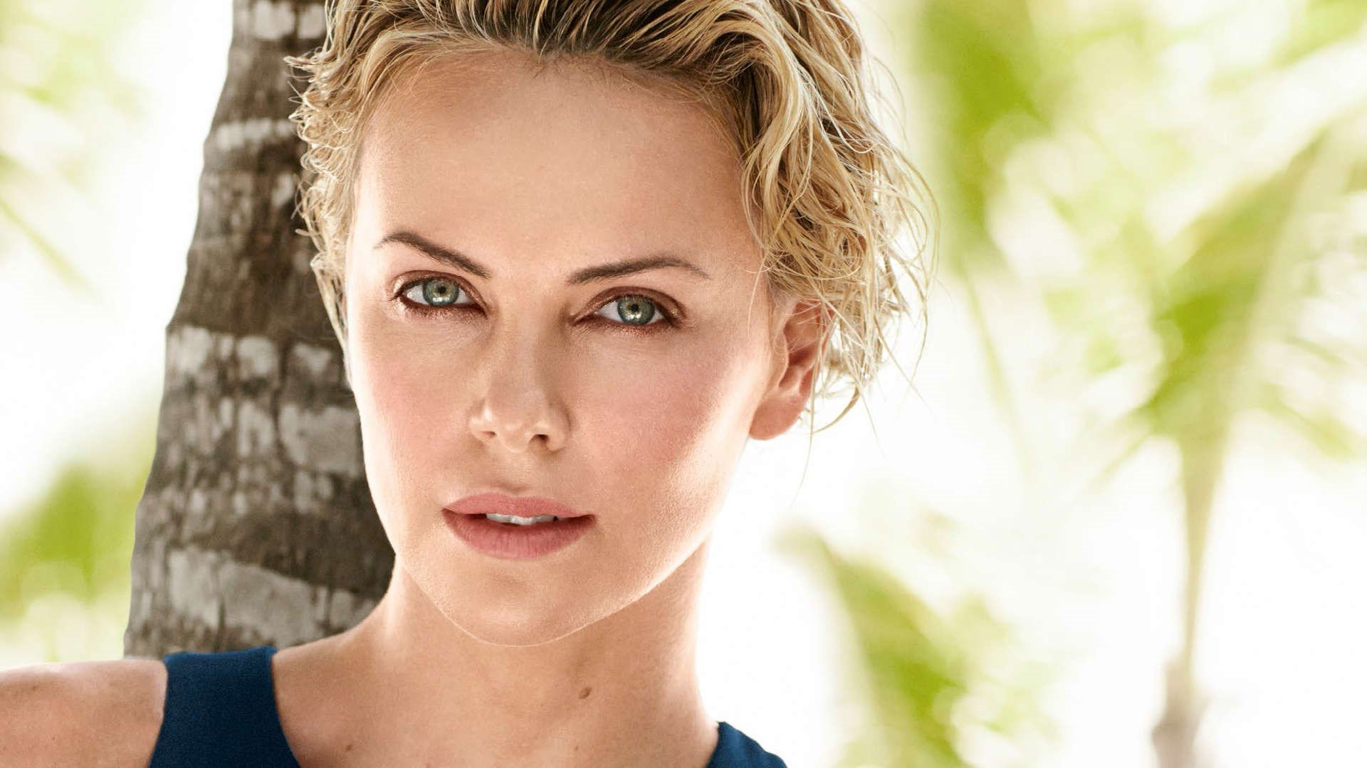 Charlize Theron Desktop Wallpapers