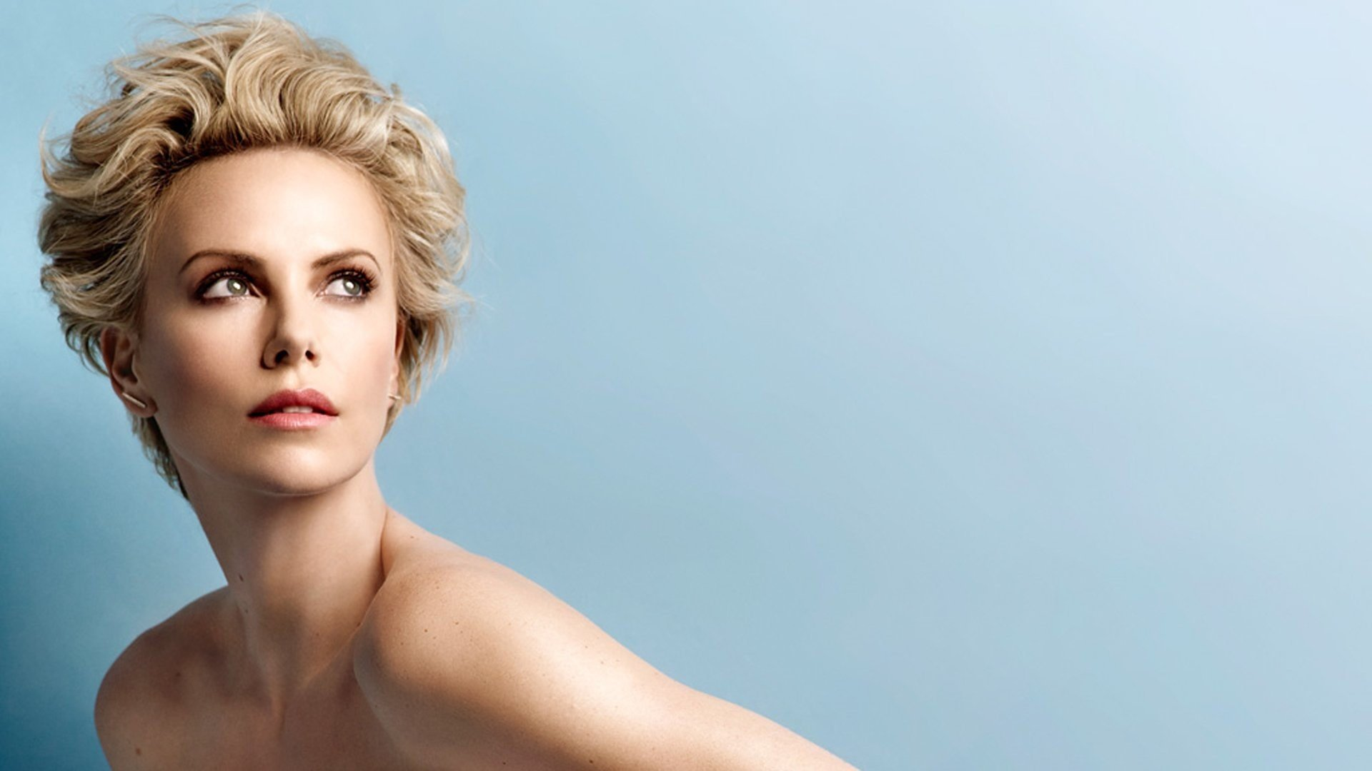 Charlize Theron Laptop Wallpapers