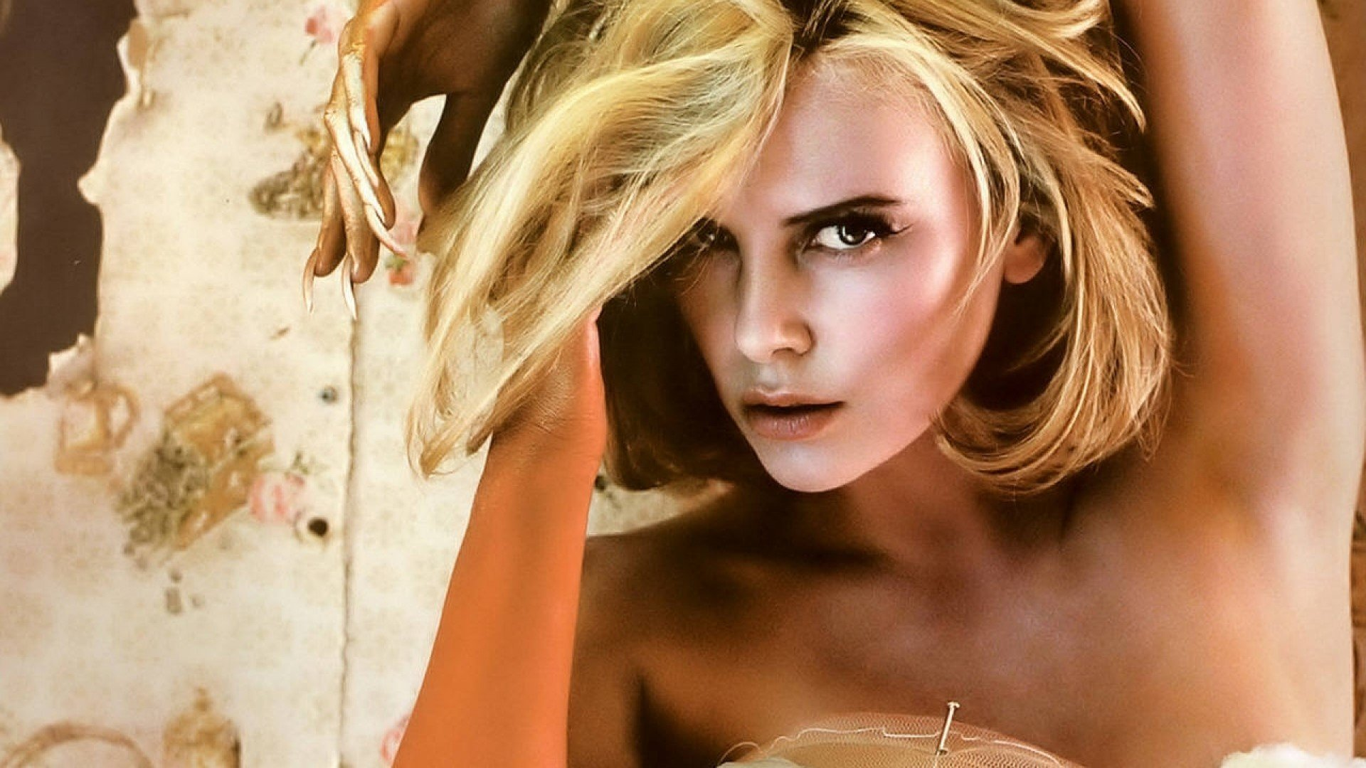 Charlize Theron Wallpapers 4