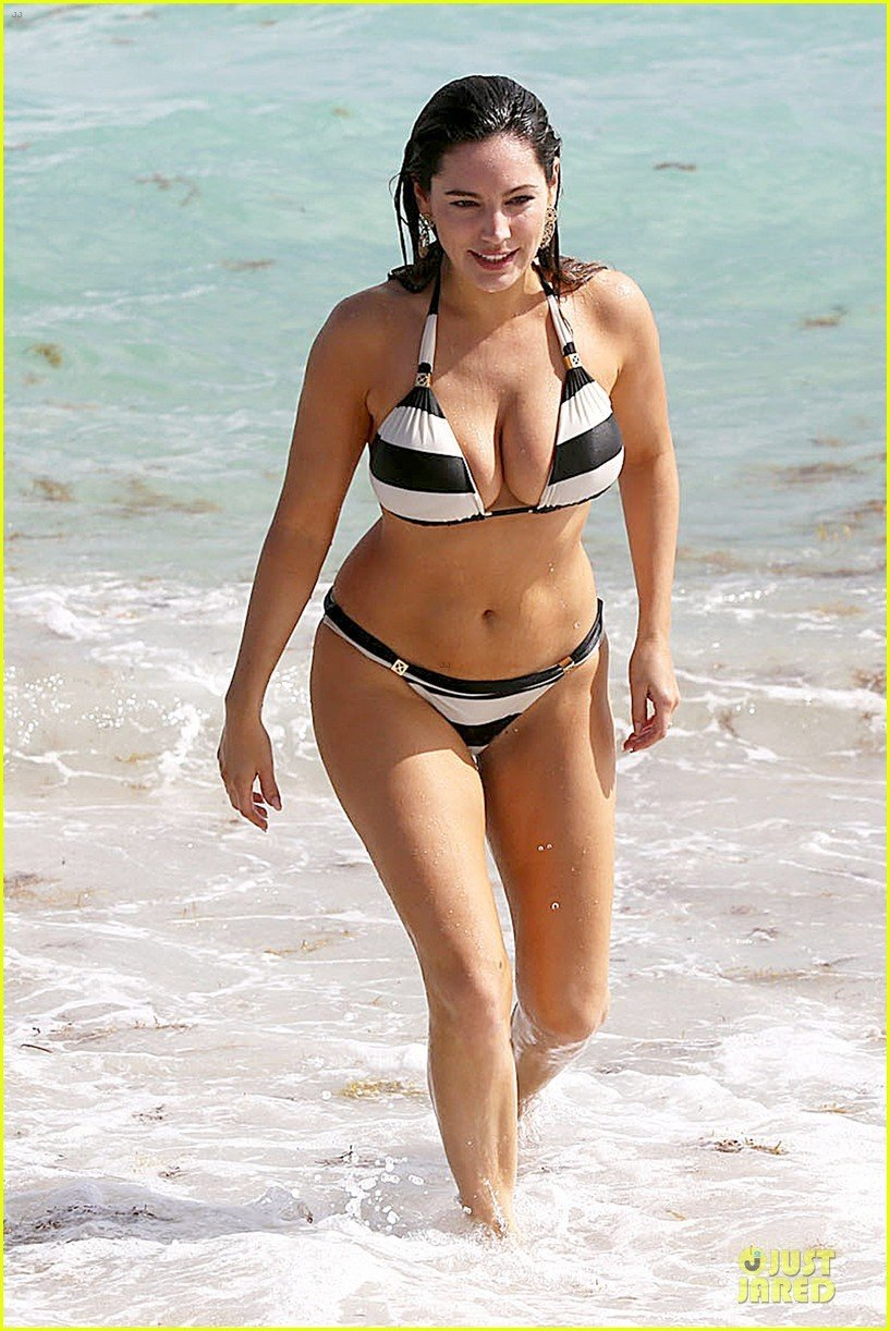Kelly Brook 16