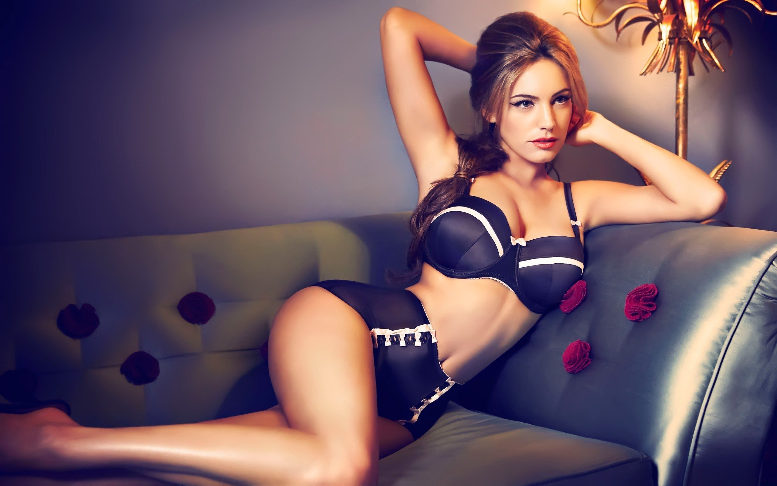 Kelly Brook 8