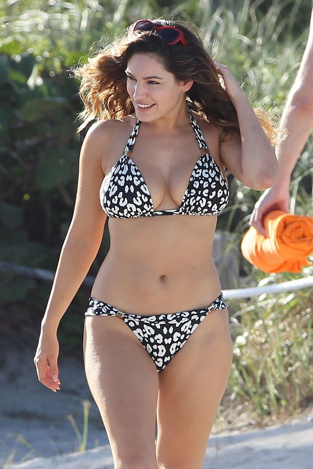Kelly Brook Bikini 4