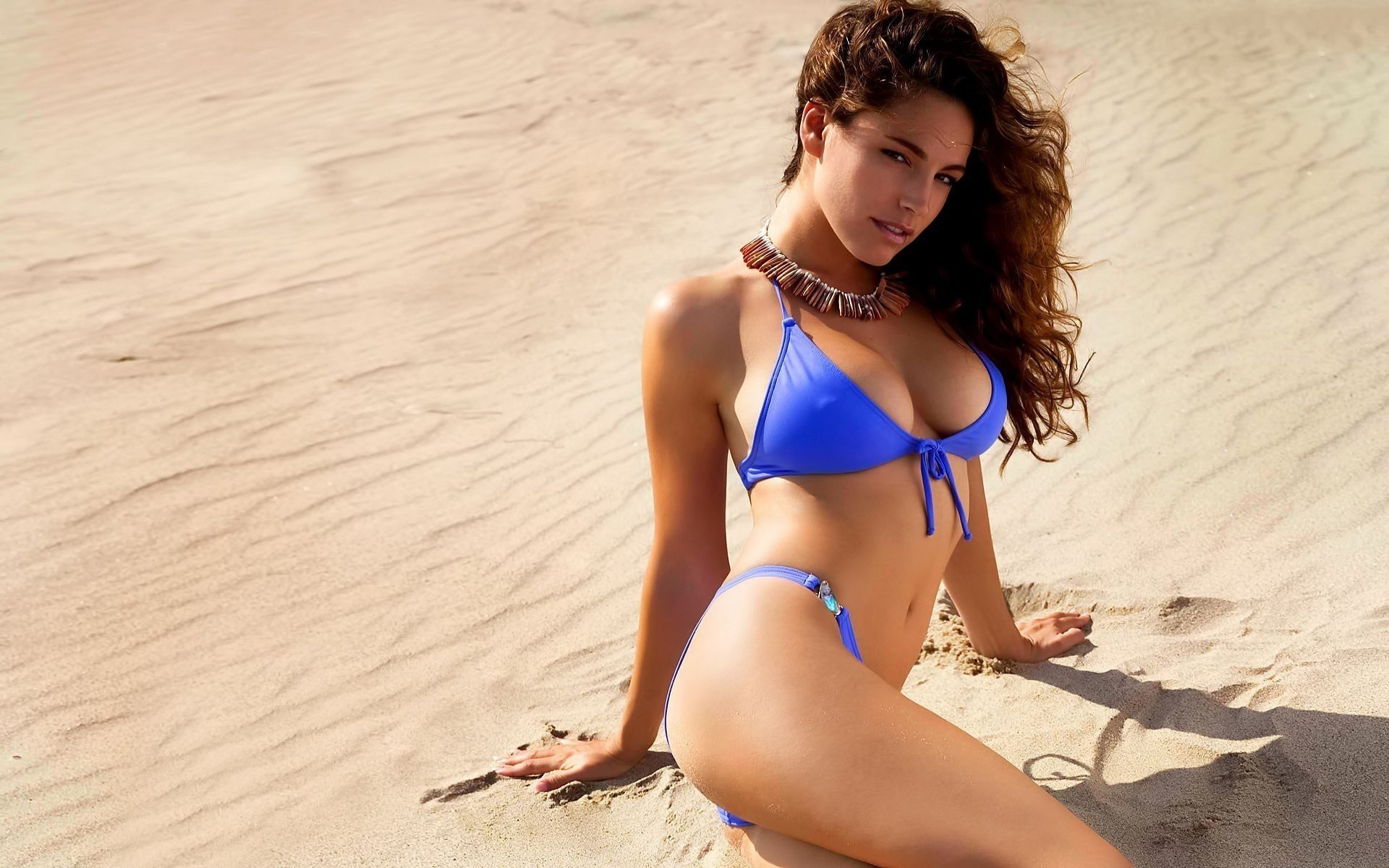Kelly Brook Blue Bikini Wallpapers