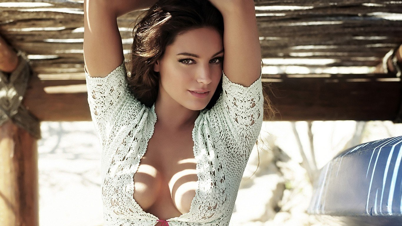 Kelly Brook Desktop Wallpapers