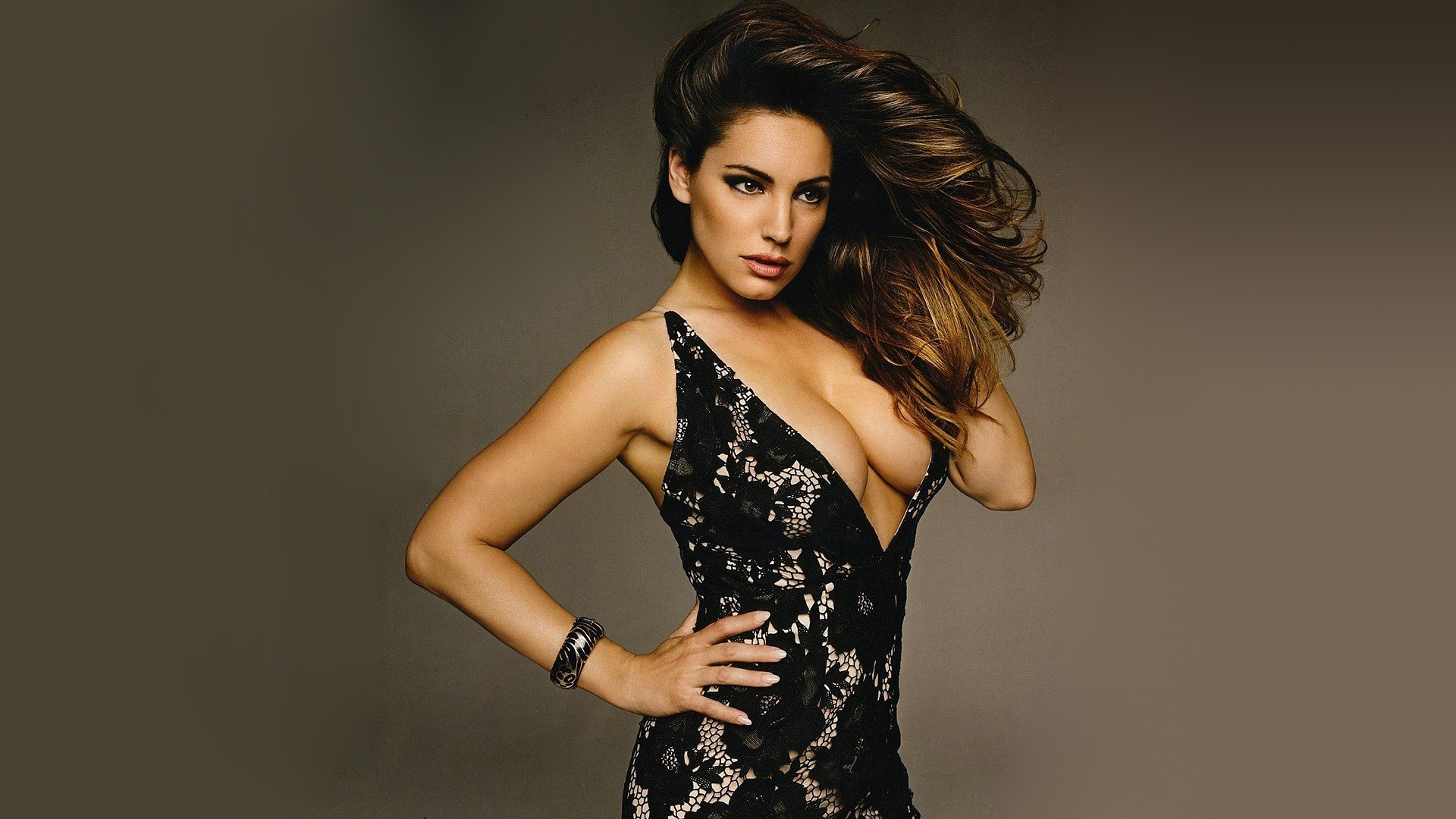 Kelly Brook Desktop