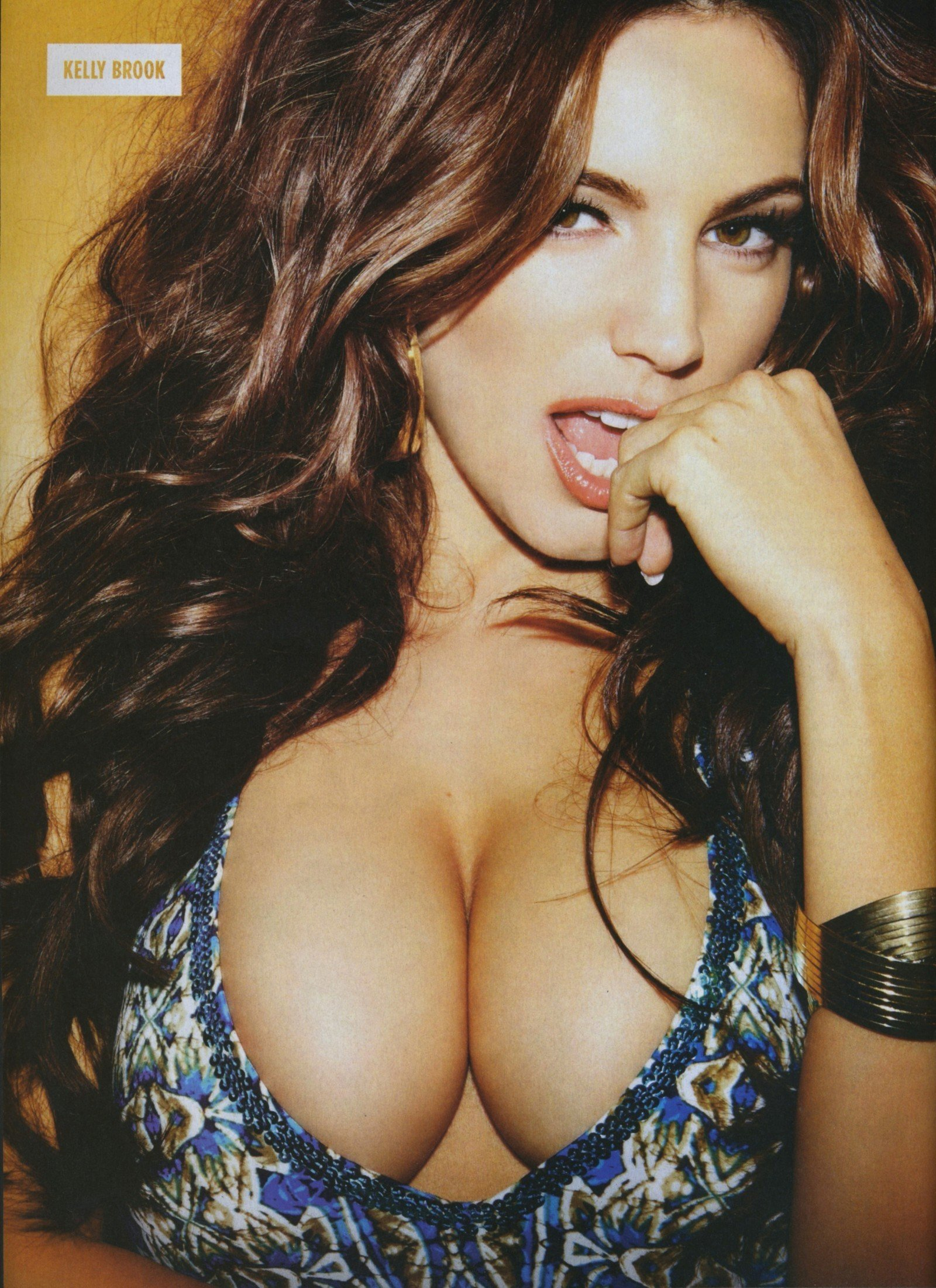 Kelly Brook Hot Photos