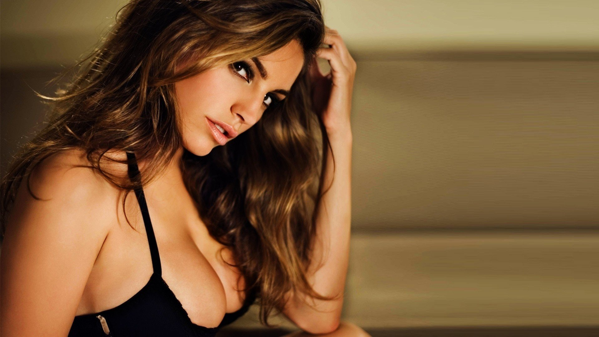 Kelly Brook Hot Wallpapers