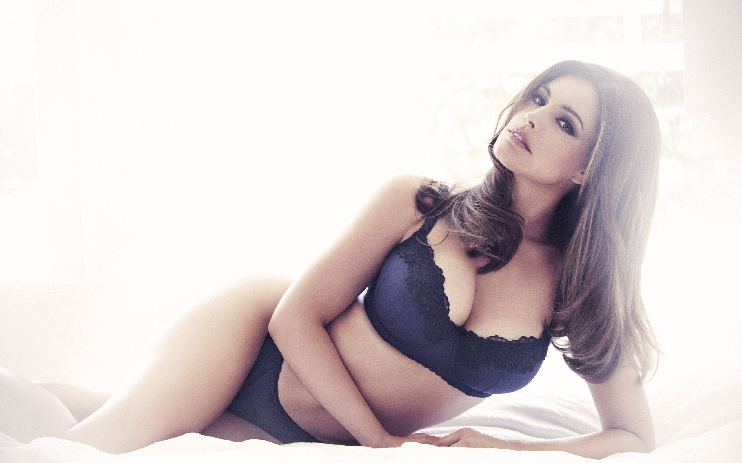 Kelly Brook PC Wallpapers