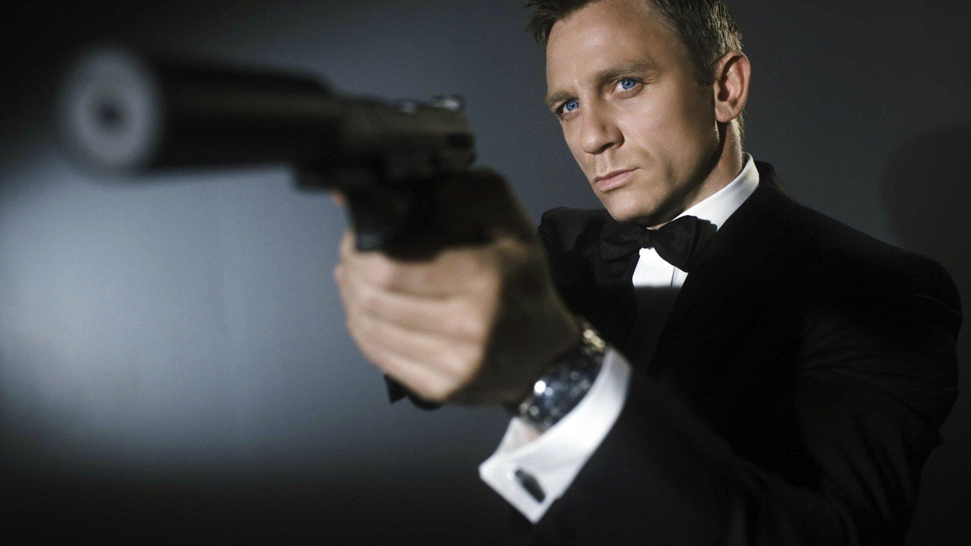 Daniel Craig Pics