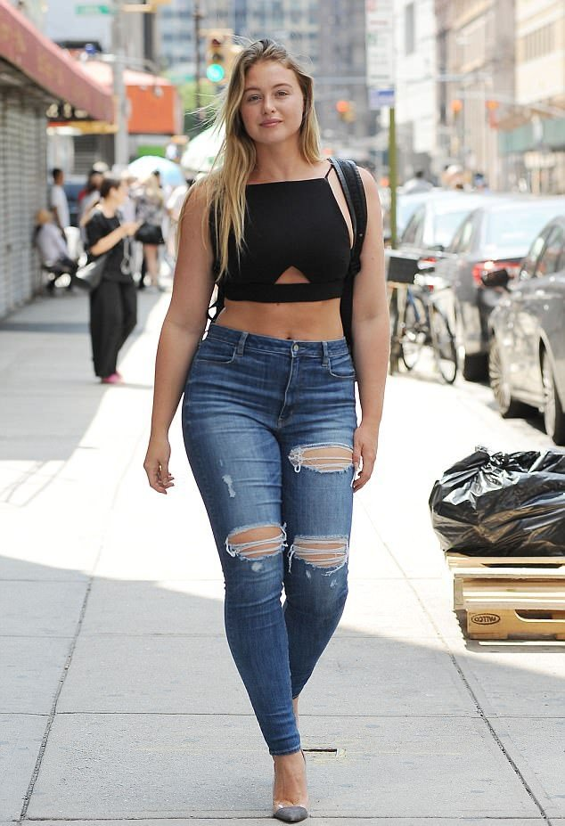 Iskra Lawrence Photos