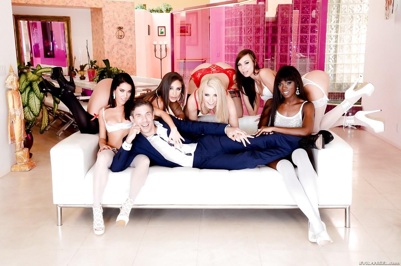 Anikka Albrite, Abella Danger, Ana Foxxx, Aidra Fox and Megan Rain