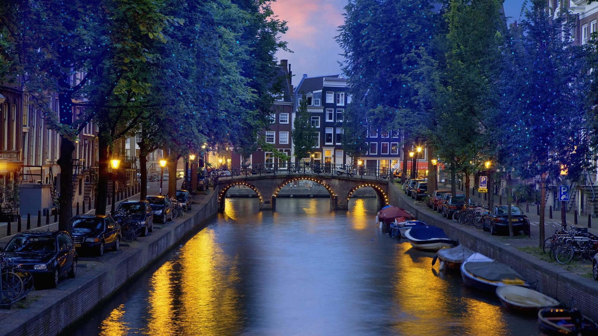 Amsterdam HQ