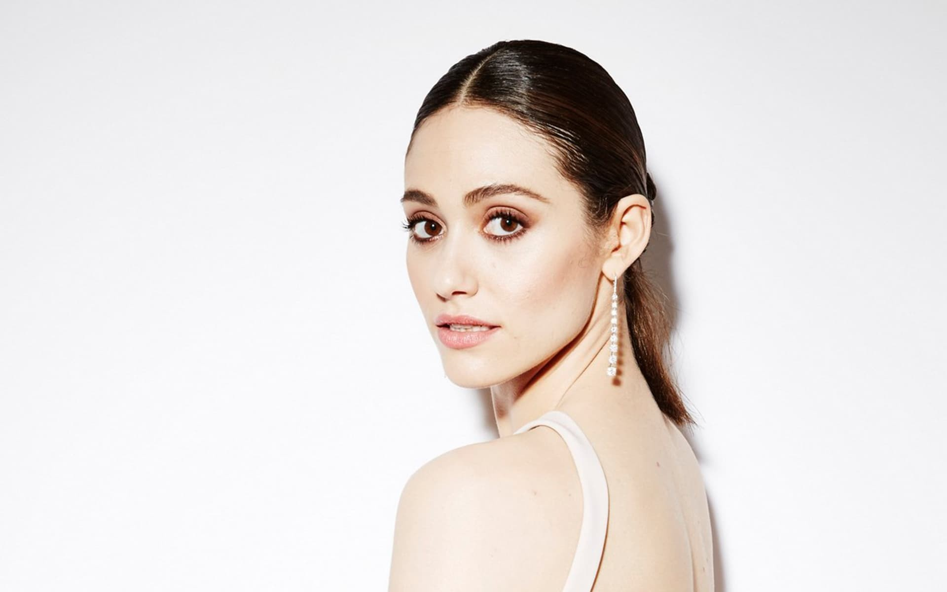 Emmy Rossum Windows Wallpapers Wallpics
