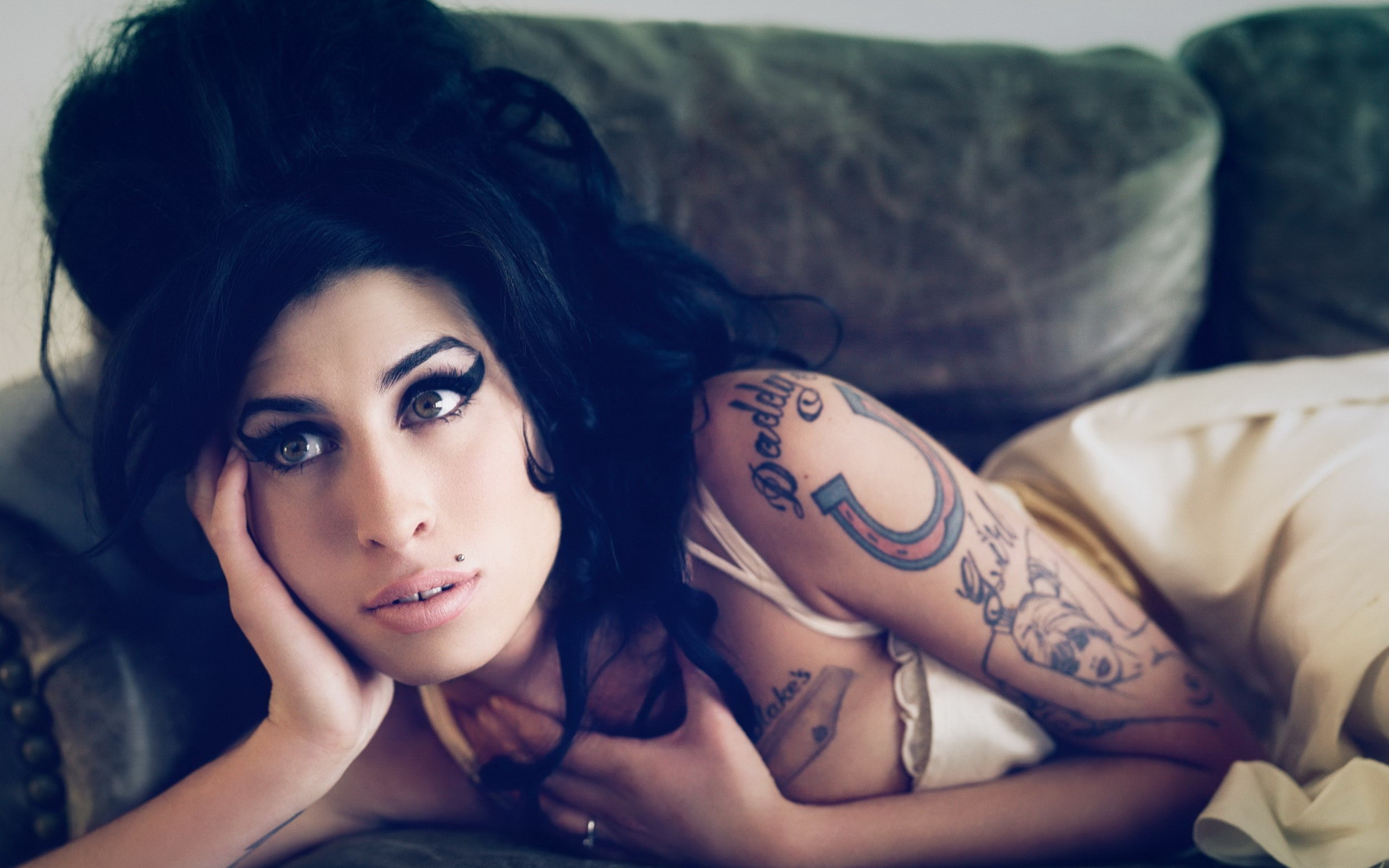 Amy Winehouse Windows Wallpapers