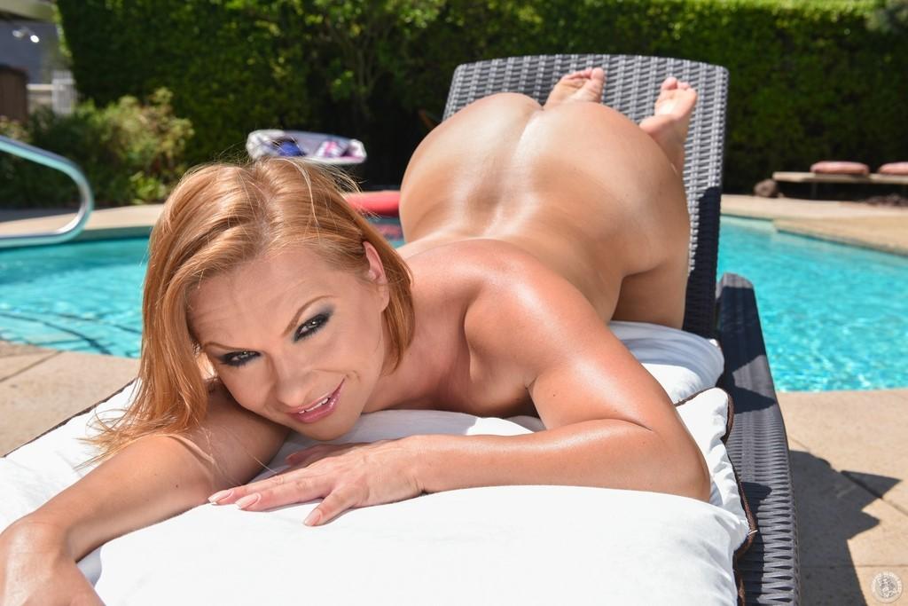 Katja Kassin Naked