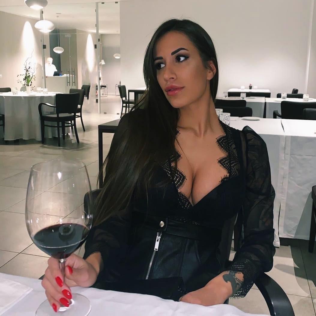 Maira Reginato 18