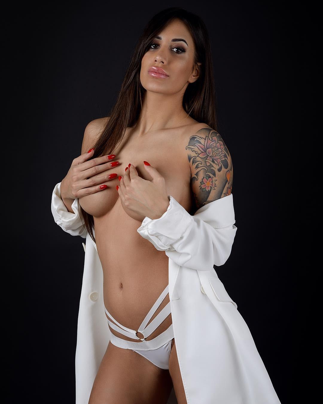 Maira Reginato Nude