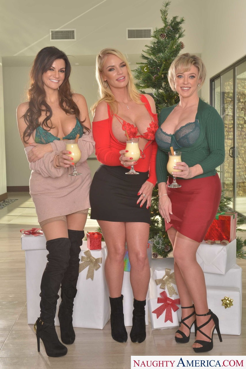 Becky Bandini, Dee Williams and Rachael Cavalli 3