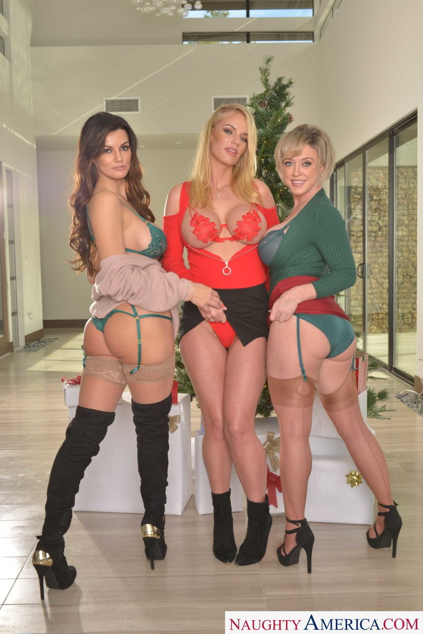 Becky Bandini, Dee Williams and Rachael Cavalli 4