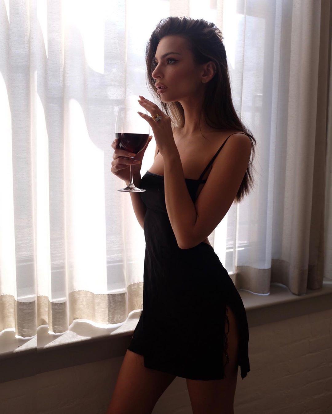 Emily Ratajkowski 500