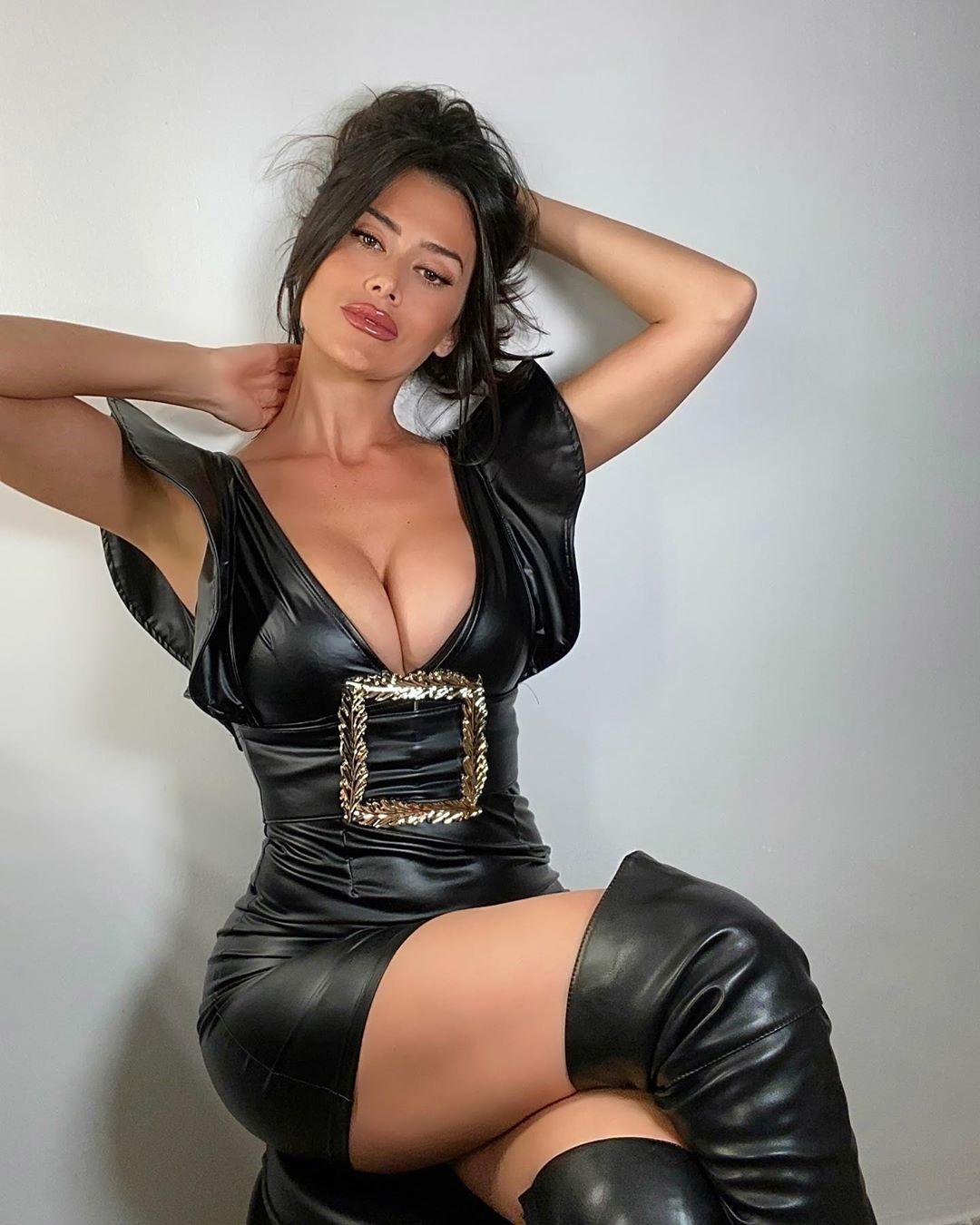 Eva Padlock 24